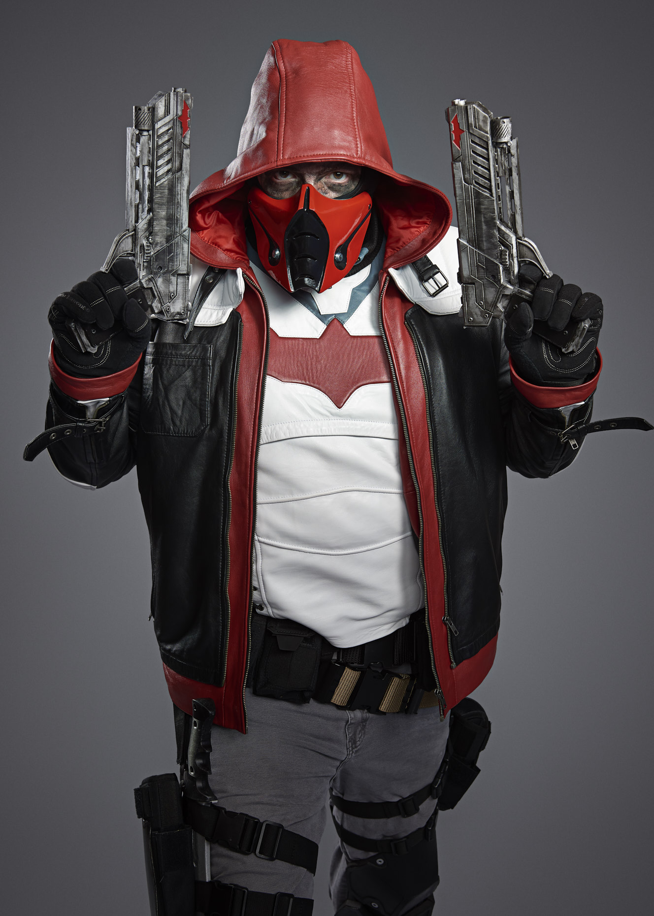 dc-batman-red-hood-cosplayer